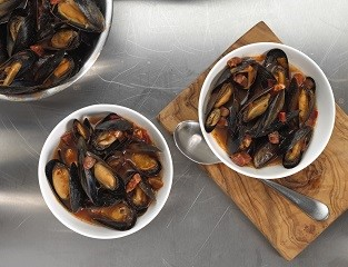 MSC Scottish Mussels in Tomato, Chorizo & Smoked Paprika Sauce