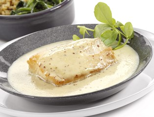 Natural Smoked MSC Haddock in a West Country Vintage Cheddar & Wholegrain Mustard Sauce (skinless, boneless)